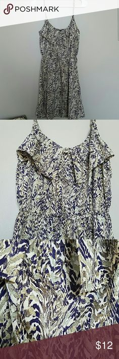 H&M Tank Dress H&M tnk dress. Never worn. Great pattern. Fabric overlay near top partial over bust. Adjustable straps. Sinched elastic waist H&M Dresses Mini