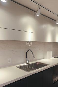 [상월곡 인테리어] 동아에코빌 25평 아파트 인테리어_이사전 by 홍예디자인 : 네이버 블로그 Double Vanity, Bathroom Lighting, Mirror, Interior, Kitchen, Furniture, Home Decor, Bathroom Light Fittings, Bathroom Vanity Lighting