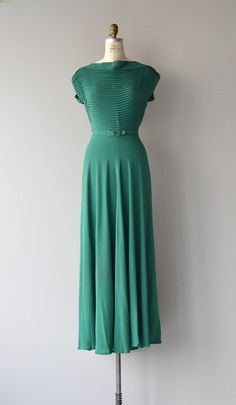 Vintage 1930s deep green rayon dress with micro pleated bodice, cap sleeves, matching belt, full length skirt and side metal side zipper.  --- M E A S