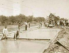 Paving Woodward Avenue in 1909