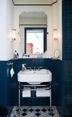 Soho House Amsterdam arrives in The Netherlands, occupying the canal-side Bungehuis, an architectural landmark on Spuistraat 1930s House Interior, Bathroom Interior Design, 1930s House Decor, Budget Bathroom, Small Bathroom, Bathroom Ideas, Bathroom Trends, Bathroom Inspo, White Bathroom