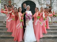 Si tu boda es de día y en un espacio abierto, este color es perfecto para el vestido de las damas. #Damas #Ebodas #Ladies