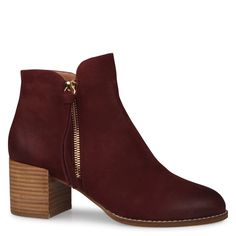 Shop the latest women's shoes with Shoe Connection. From loafers to sneakers, flatforms to heels, browse our huge range of shoes and find your perfect pair. Women's Shoes Sandals, Shoe Boots, Leather Ankle Boots, Smooth Leather, Block Heels, Canon, Connection, Loafers, Booty