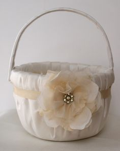 Want!!! Flower girl basket. Cute and elegant, matches my colors.