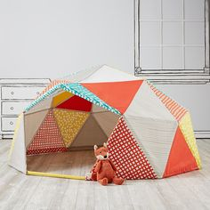 Playhome_Geodesic_v1 Almost a teepee @kristenesweeney ? And there's a fox in front!