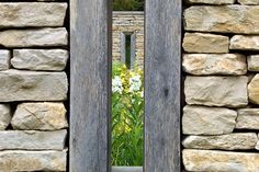 or a historic Georgian Rectory garden in the Cotswolds in the U., Dan Pearson Studio designed these openings in the dry stone walls visually connecting 2 garden spaces. Architecture Details, Landscape Architecture, Landscape Design, Garden Art, Garden Design, Dan Pearson, Porches, Dry Stone, Wood Stone