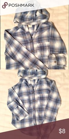 🍁Cropped Hooded Flannel🍁 Blue, White, Gray Cropped Hooded Flannel With Brown Detailing (Buttons). Two Breast Pockets. Perfect Condition And Great For Fall. Can Fit XS-S. Brandy Style, But not Brandy. Tagged For Exposure. Brandy Melville Tops