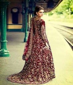 Details about Asian Bridal Dress lengha pakistani/india Velvet, Custom Made… Asian Bridal Dresses, Pakistani Wedding Dresses, Bridal Outfits, Indian Dresses, Indian Outfits, Bridal Gowns, Wedding Gowns, Pakistani Bridal Lehenga, Bridal Dupatta
