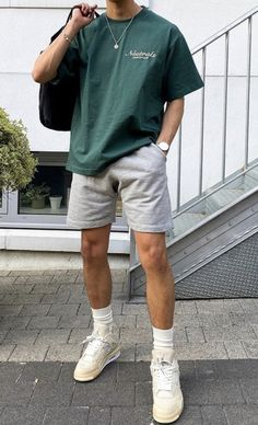 Street Style Outfits Men, Summer Outfits Men, Stylish Mens Outfits, Mode Outfits, Trendy Mens Fashion, Men Nike Outfits, Mens Fashion Shorts, Casual Guy Outfits, Trendy Outfits For Guys