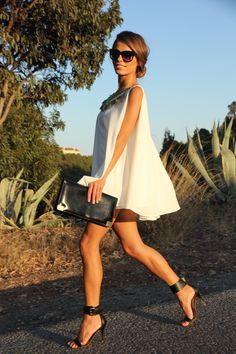 Vestido / Dress: Mekdes   Sandalias / Sandals: Mango   Clutch: Vintage  Anillo / Ring: LeCarré  Gafas de sol / Sunglasses: Marc Jacobs