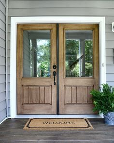 Wood Front Doors, Farmhouse Front Doors, Farmhouse Exterior Source by sweetthreadsco Entry Way Design, Front Door Design, Entrance Design, Fachada Colonial, Modern Farmhouse Exterior, Farmhouse Front Doors, Wood Double Front Doors, Farmhouse Plans, Double Doors Entryway
