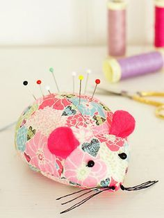 Sewing Project ~ Mouse pin cushion FREE sewing pattern for a pincushion quick craft ideas allaboutyou.com