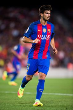 Andre Gomes of FC Barcelona runs during the Joan Gamper trophy match between FC Barcelona and UC Sampdoria at Camp Nou on August 10, 2016 in Barcelona, Catalonia.
