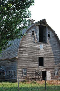 Weathered Barn   by karene_1953