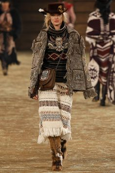 Chanel Pre-Fall 2014 - Review - Fashion Week - Runway, Fashion Shows and Collections - Vogue