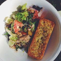 Салат с тунцом и томатами рецепт с фото