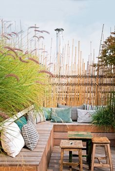 Best DIY Outdoor Patio Furniture Projects (Ideas and Designs) Part 14 ; patio ideas on a budget; Patio Furniture Cushions, Garden Furniture, Outdoor Furniture Sets, Furniture Projects, Marie Claire, Outdoor Spaces, Outdoor Living, Outdoor Decor, Budget Patio