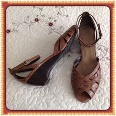 Moda Spana Ankle Strap Shoes 8-1/2 Med. slight Wedge Heel - Toeless Moda Spana Shoes Sandals