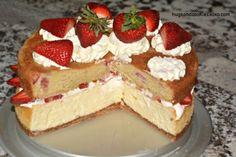 Strawberry Shortcake Cheesecake - Hugs and Cookies XOXO Peanut Butter Cookie Lasagna, Peanut Butter Cookies, Strawberry Shortcake Cheesecake, Strawberry Jam, Boston Cream Pie, Danishes, Oven Roast, Sweet Tooth, Baking