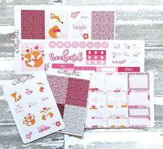 Adorable Valentine's Day sticker kit! #plannerstickers #planner #stickerkit https://www.etsy.com/listing/584426319/fox-love-mini-kit-valentines-day