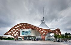 Shigeru Ban. Centre Pompidou Metz