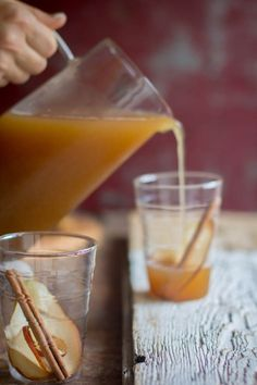 Slow Cooker Pear Cider recipe by @beardandbonnet on www.beardandbonnet.com