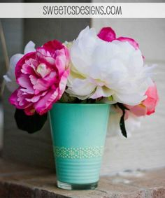 DIY Acqua Colored Vase Of A Glass   Shelterness