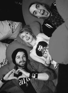 Paramore she is wearing a Jeremy shirt. Omg!!!!!