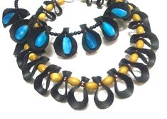 Bike Inner Tube Jewelry: 4 Steps (with Pictures) Trendy Jewelry, Jewelry Art, Unique Jewelry, Jewelry Ideas, Bike Art, Leather Jewelry, Turquoise Bracelet, Beaded Necklace, Jewelry Making