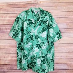 9d8b9866 Vintage green floral print button front short sleeve shirt made in Hawaii,  USA. It