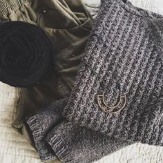 The first sweater @thekitchenwitch ever made was Michele's #BedfordPullover in #ShelterYarn. There's nothing better than wardrobe staples that stay with you for years to come. #BTintheWild