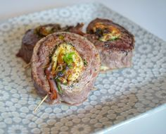 Stuffed Steak Wheels  Recipe on www.travelmechic.com @TravelMeFit on Instagram for more  whole 30 - paleo - eat clean- healthy  Recipe on www.travelmechic.com Whole 30 Approved, Quick Dinner Recipes, Flank Steak, How To Eat Paleo, Spinach, Clean Eating, Beef, Healthy Recipes, Food