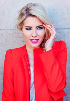 Mollie King strikes a pose for Maybelline for London Fashion Weekend Contour For Dark Skin, Dark Skin Makeup, Blue Eye Makeup, Redhead Hairstyles, Day Makeup Looks, Mollie King, Celebrity Beauty, Beauty Editorial, London Fashion