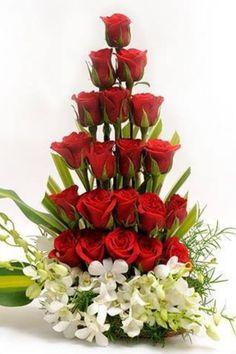 Resultado de imagen para arreglos florales unitarios con rosas rojas florales con rosas