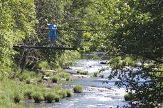 Cottage Grove, Oregon        the swinging bridge to river road.