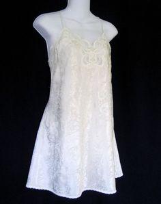 Lucie Ann II Chemise 36 Medium Cream Ivory Roses Nightgown Made in USA Vintage #LucieAnnII #BabydollChemise