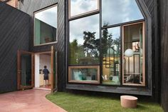Kessel Lo House by NU Architectuuratelier | Yellowtrace