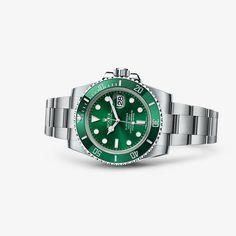 The Oyster Perpetual Submariner, the archetype of the diver's watch, epitomizes the pioneering link between Rolex and the underwater world. ~ETS