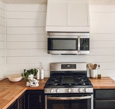 DIY faux vent hood with microwave Over The Stove Microwave, Mounted Microwave, Microwave Hood, Microwave Cabinet, Oven Hood, Microwave In Kitchen, Updated Kitchen, New Kitchen, Kitchen Ideas