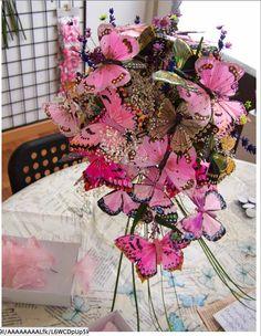 Floral Wreath, Bouquet, Butterfly, Wreaths, Google, Home Decor, Butterflies, White People, Boyfriends