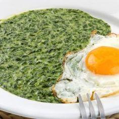 Spanac cu usturoi și lămâie, servit cu ouă ochi - CaTine.ro Bulgarian Recipes, Avocado Toast, Eggs, Cooking, Breakfast, Kitchen, Morning Coffee, Egg