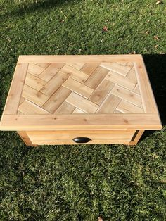 Woodworking Furniture Plans, Woodworking Projects That Sell, Diy Woodworking, 2x4 Wood Projects, Diy Furniture Projects, Diy Outdoor Furniture, Wood Furniture, Decoration, Pallet Tables