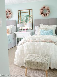 Sophisticated teenage girls bedroom makeover featuring throw pillows, bedding, foot stool and tons of home accents from HomeGoods {sponsored). Fabulous neutral color palette.: