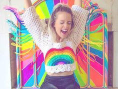 This rainbow crop top with fringe sleeves is the perfect top for performing, flowarts, or just to get down to the music in. Top Crop Tejido En Crochet, Knit Crochet, Crochet Jumpers, Hippie Outfits, Rave Outfits, Top Infantil, Rainbow Crop Top, Moda Crochet, Festival Crop Tops
