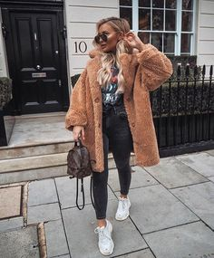 45 Lovely Winter Outfits to Own Now Vol. 1 45 Lovely Winter Outfits to Own Now Vol. 1 / Lovely Winter Outfits to Own Now Vol. 2 – Lil Lovely Winter Outfits to Own Now Vol. 1 – SO 45 Lovely Winter Outfits to Own Now Vol. Winter Outfits For Teen Girls, Winter Outfits 2019, Winter Fashion Outfits, Holiday Outfits, Look Fashion, Fall Outfits, Autumn Fashion, Fashion Women, Fashion Coat