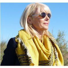 Echarpe femme carre bonnet et echarpe en laine   Rlobato 2328b889a66