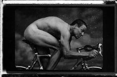 Bid now on Lance Armstrong New York City by Annie Leibovitz. View a wide Variety of artworks by Annie Leibovitz, now available for sale on artnet Auctions. Annie Leibovitz Fotos, Annie Leibovitz Photography, Connecticut, Joan Armatrading, Fun Workouts, Fitness Workouts, Fitness Routines, Portrait Photographers, Photography Portraits