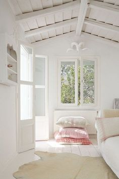 Summer House & Holiday Cottage Decorating Ideas from beach houses to small country cottages. Interiors design ideas and inspiration from House & Garden. Minimalism Living, Coastal Bedrooms, Coastal Homes, Meditation Space, White Cottage, Home Bedroom, Beautiful Homes, Sweet Home, Home And Garden