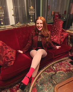 Discovered by Madalyn. Find images and videos about red, riverdale and madelaine petsch on We Heart It - the app to get lost in what you love. Cheryl Blossom Riverdale, Riverdale Cheryl, Riverdale Cast, Madelaine Petsch, Vanessa Morgan, Looks Teen, Riverdale Fashion, Riverdale Aesthetic, Kristen Stewart