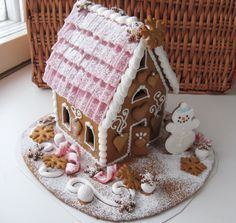 Happy Merry Christmas, Pink Christmas, Christmas Desserts, Christmas Cookies, Christmas Time, Gingerbread House Designs, Gingerbread Houses, Sweet Bakery, Edible Art